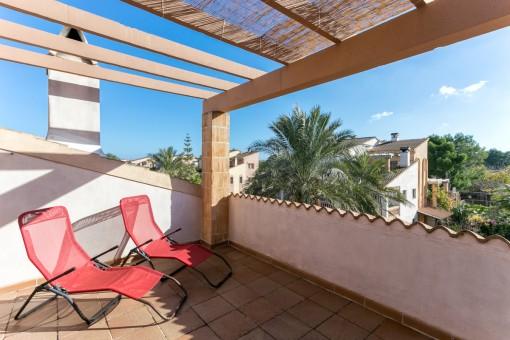 Großzügiges Duplexapartment in Can Picafort mit Hauscharakter in mediterraner Wohnanlage mit Pool