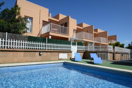 Hübsches strandnahes Reihenhaus in ruhiger Wohngegend in Playa de Muro mit Garten und Gemeinschaftspool