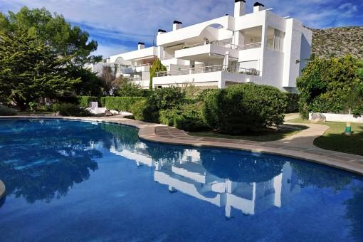 Erdgeschoss-Apartment in toller Anlage mit Pool 100 m vom Strand in Pt. Pollensa, Mietkauf möglich