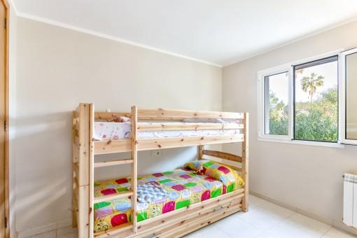 Zweites helles Schlafzimmer