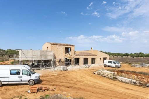 Traumhaftes Grundstück in Santanyi mit Weitblick und fortgeschrittenen Bauprojekt, Fertigstellung Ende 2020