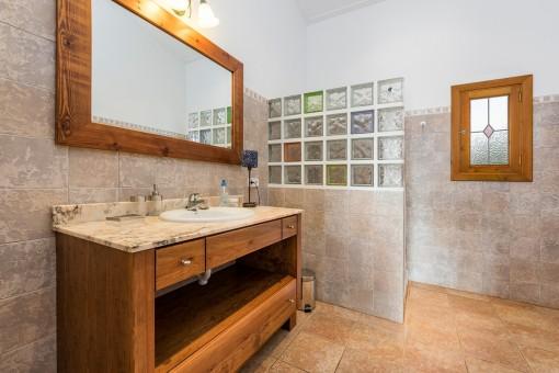 Schönes Duschbadezimmer