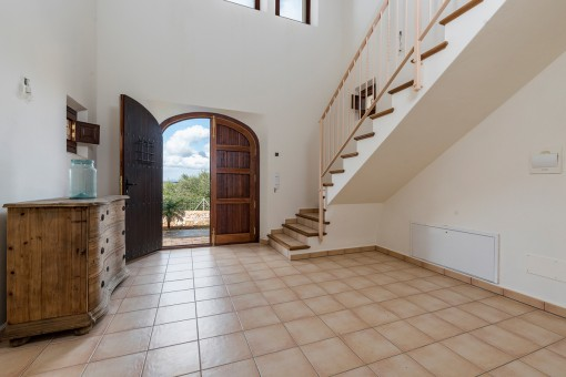 Eingangsbereich mit Treppenaufgang