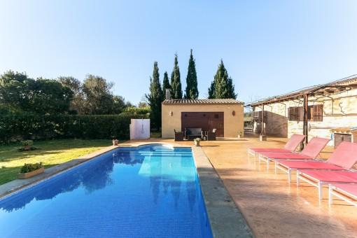 Schöne Finca mit Pool und Vermietlizenz in der Nähe von Arta