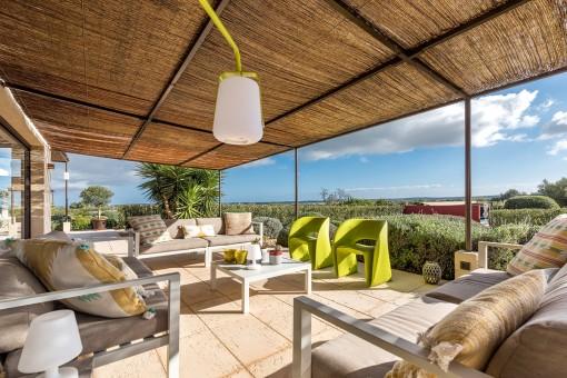 Bezaubernde Terrasse mit Loungebereich
