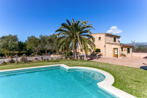 Gepflegte Finca mit Pool und Vermietungslizenz in ruhiger Lage, bei Santa Maria del Cami
