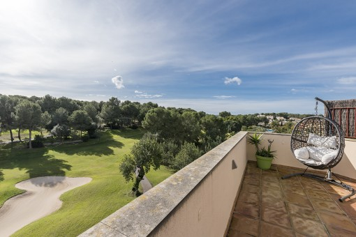 Wunderschönes luxuriöses Penthouse Apartment mit Dachterrasse in top Lage am Golfplatz von Bendinat