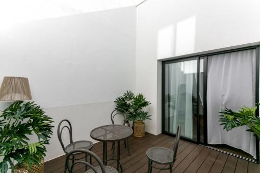 Charmante Terrasse mit Essbereich