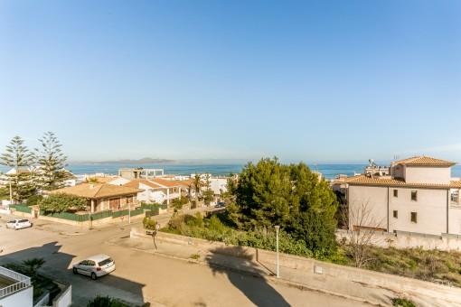 Gepflegte Doppelhaushälfte in unmittelbarer Strandnähe in Son Serra de Marina