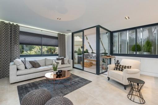 Komplett hochwertig saniertes Apartment am Strand in Cala Vinyas