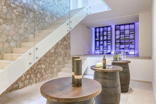 Weinkeller und Treppenaufgang zu den Obergeschossen