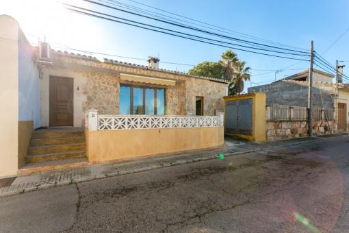 Schönes Dorfhaus in ruhiger Wohngegend in Colonia Sant Pere