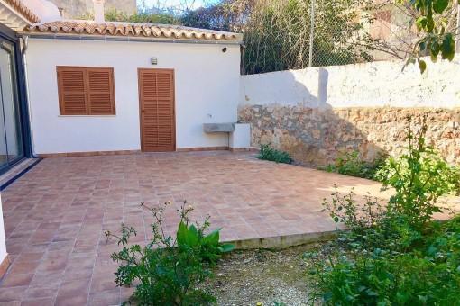 Top-renovierte Altbau-Erdgeschosswohnung mit mediterranem Charme und kleinem Garten in El Terreno