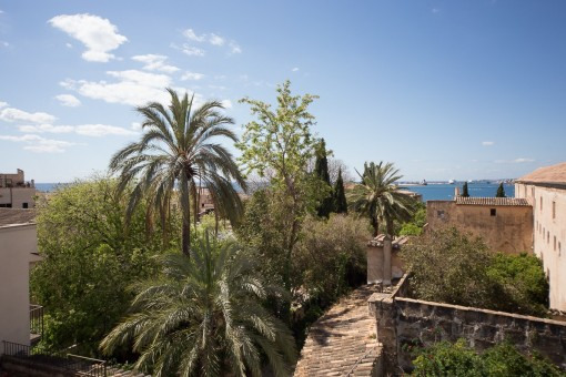 Einzigartiges, großes Herrenhaus mit Meerblick,Terrassen und Garten in Palmas Nobelviertel Calatrava