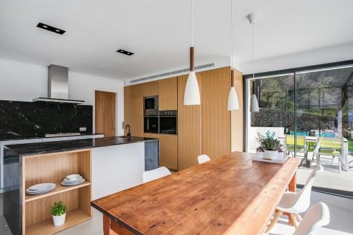 Bezaubernder Küchen- und Essbereich