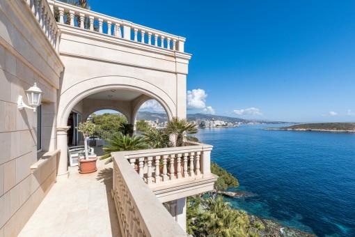 Herrliche Villa mit 3 separaten Apartments und luxuriöser Ausstattung in Cala Vinyas