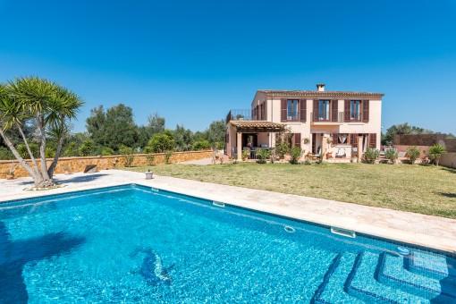 Schöne Finca mit Pool und voll ausgestattetem Gästehaus in Son Mesquida, Felanitx