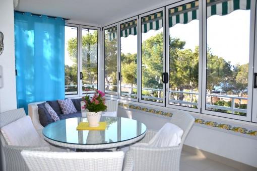 Hervorragende Wohnung mit Meerblick in bester Lage in Santa Ponsa