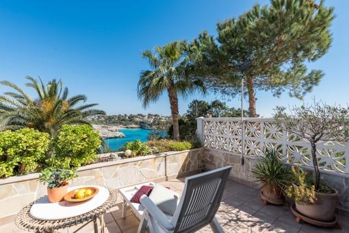 Attraktive Wohnung mit herrlichem Meerblick in Cala Mandia
