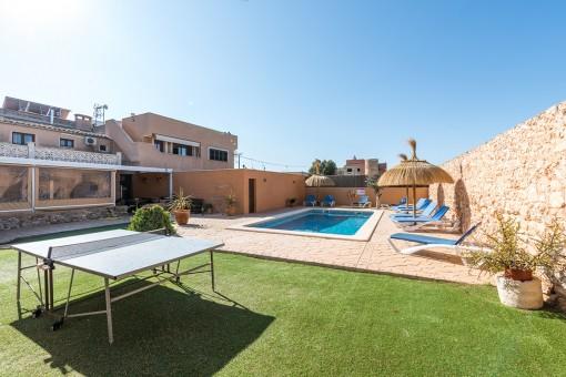 Dorfhaus in Santanyi - Eine Oase mit großem Poolbereich und Ferienvermietlizenz