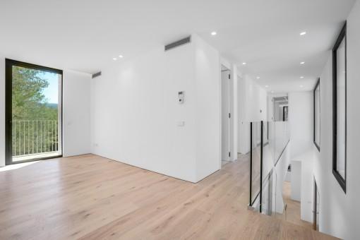 Elegante Galerie im Obergeschoss