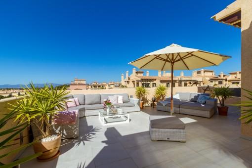 Spektakuläre Penthousewohnung in idyllischer Wohnanlage in Puig de Ros