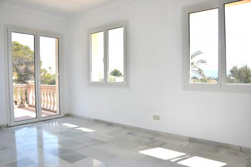 Hauptschlafzimmer mit eigenem Balkon