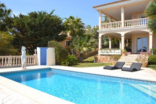 Traumvilla mit Meerblick und Pool in Nova Santa Ponsa