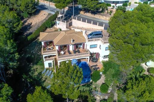 Villa aus der Vogelperspektive