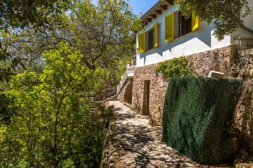 Romantische Villa mit Berg- und Meerblick in Esporles