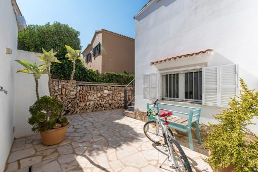 Sonnige, private Terrasse