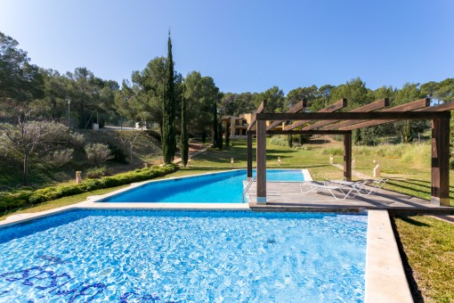 Schöne Erdgeschosswohnung mit Gemeinschaftspool in Badia de Palma