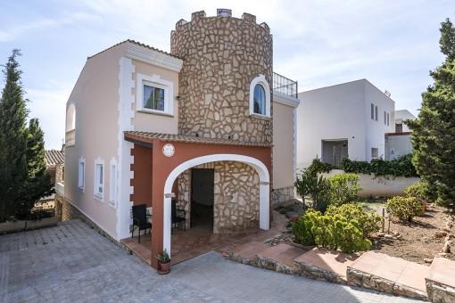 Mediterrane Villa mit Dachterrasse in der Nähe des berühmten Strandes Es Trenc