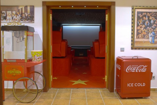 Professioneller Kinoraum