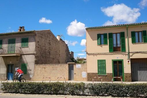 Interessantes, nach Süden ausgerichtetes Baugrundstück in Llucmajor