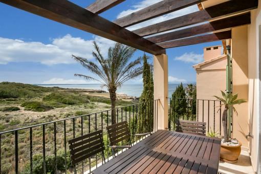 Schönes Penthouse in einer Luxusanlage in erster Meereslinie in Betlem