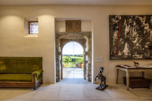 Außergewöhnliche Natursteinfinca mit rustikalen und modernen Elementen in Campos