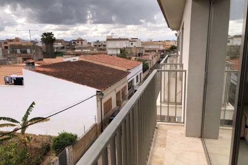 Moderne 3,5 Zimmer Wohnung mit Blick über Arta