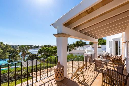 Fantastisches Penthouse in erster Meereslinie in Porto Petro mit spektakulärer Aussicht und direktem Meerzugang