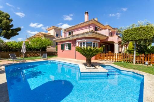 Villa in Puig de Ros zum Kauf