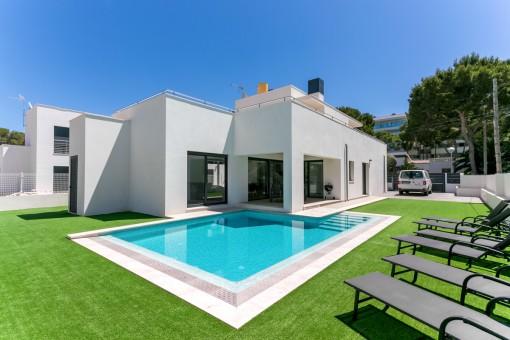 Fantastische Neubauvilla an der Playa de Palma