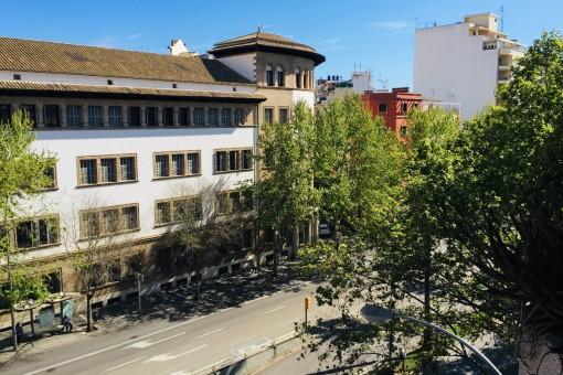 Zentrale, unmöblierte Wohnung mit Tiefgarage und kleinem Balkon in Palma