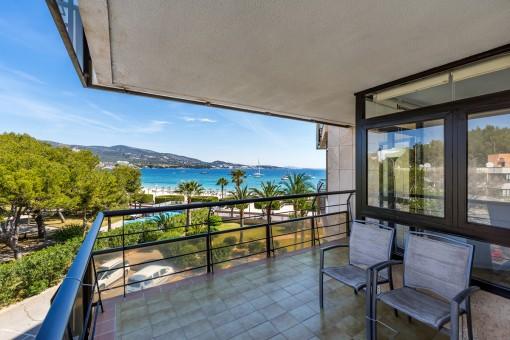Apartment in erster Meereslinie mit 2 Schlafzimmern und herrlichem Meerblick in Palmanova