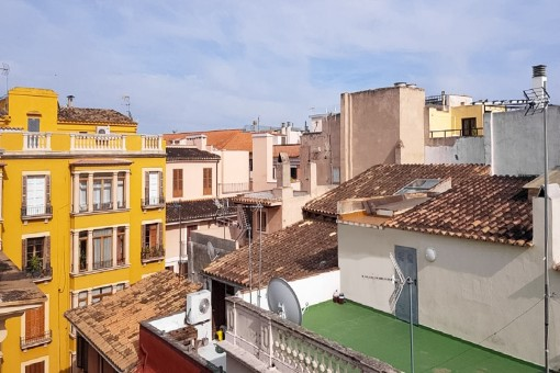 Stadthaus in bester Altstadtlage in Palma mit Projekt für Einfamilienhaus mit Garage, Aufzug und Dachterrasse
