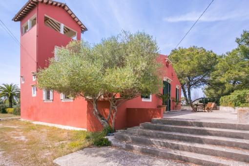 Wundervolle, traditionelle Villa mit Meerblick und Superlage, nur 100 m vom Stand und 5 min von der Altstadt Alcudias entfernt