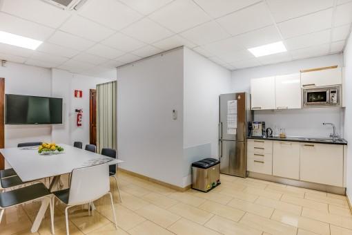 Besprechungsraum mit Küche