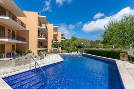 Renoviertes Apartment mit wunderschönem Berg- und Meerblick und Gemeinschaftspool in Port Pollença