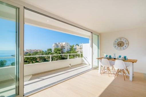 Tolles, neu renoviertes Apartment mit phantastischem Meerblick in IIletas