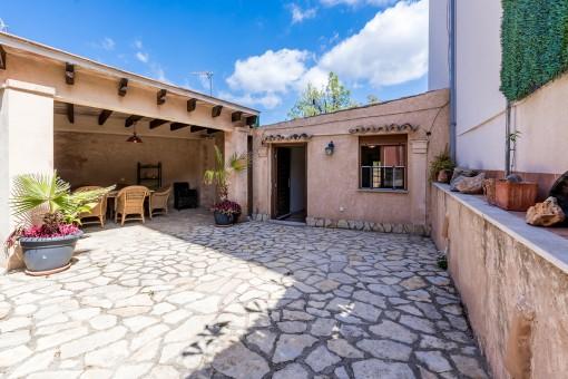 Originelles Dorfhaus mit separatem Studio in Andratx