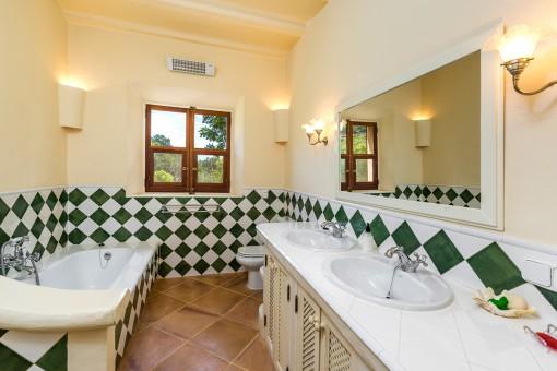 Zweites Badezimmer des Poolhauses